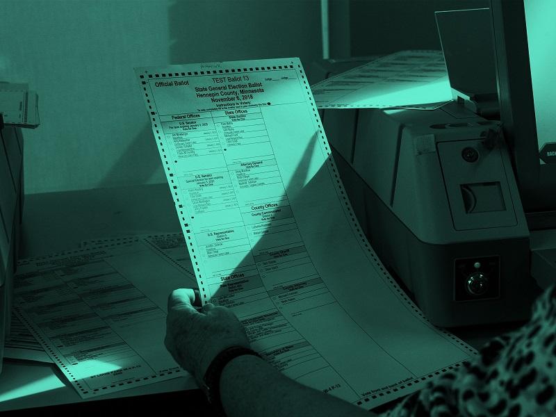 اطلاعات ۷۲۵ هزار متقاضی دریافت گواهی تولد در آمریکا فاش شد