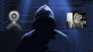دستگیری ۹هکر وبکم در انگلیس